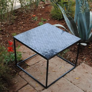 Square coffee table in wrought iron and zellige rhombus
